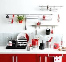ustensiles cuisine design barre ustensile cuisine embellir une cuisine avec des rangements