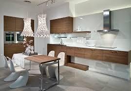 cuisine en noyer cuisine design cuisine gris bois noyer table manger industrielle