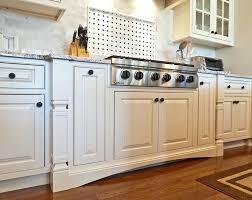 repeindre meuble de cuisine en bois meuble cuisine en bois les cuisines de claudine racnovation