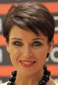 womans short hairstyle for thick brown hair hairstyle for mature women ideas