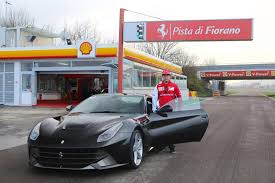 ferrari car 2016 kimi räikkönen 2016 why he stays with ferrari