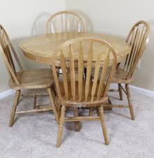 Oak Table With Windsor Back Chairs Round Oak Pedestal Table And Four Chairs Ebth