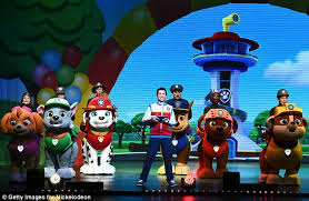 fergie cool mom paw patrol live event daily mail