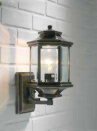 ladbroke 1x100w antique brass outdoor wall lantern fitting with
