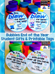 graduation gifts for kindergarten students end of the year student gifts gift tags free printable gift