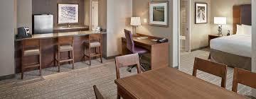 chambre d hotel avec cuisine hôtel doubletree by hotel edmonton avec palais des congrès