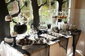 black and white dining room decor for halloween party concept
