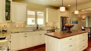 pictures of off white kitchen cabinets minimalist off white kitchen cabinets best 25 ideas on pinterest