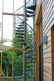 revetement pour escalier exterieur ehi escalier hélicoïdal industriel escaliers métalliques sur mesure