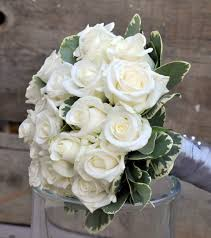 bouquet de fleurs roses blanches exemple d u0027évènement a fleur de pots