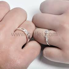 wedding rings for couples sterling silver matching flower couples wedding rings set for 2