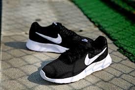 Nike Tanjun Black nike tanjun black white running shoes nike tanjun003 42 90