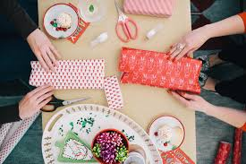how to wrap gifts like a pro toplife