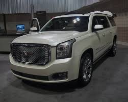 lifted white gmc file 2015 gmc yukon denali jpg wikimedia commons
