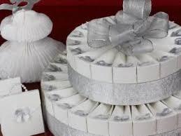 boite a gateau mariage gateau composé de boites a dragées par claudiacrea