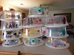 how to decorate cakes at home best 25 cake carrier ideas on pinterest photo wedding gifts