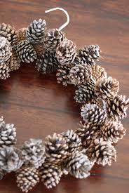pinecone wreath do it yourself divas diy pinecone wreath practically free