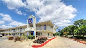 Hotels Next To Six Flags Over Texas Motel 6 San Antonio Fiesta Hotel In San Antonio Tx 49