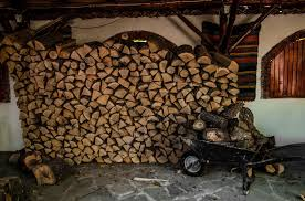 can i use pine or cedar for firewood