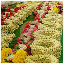 flowers garland hindu wedding flowers and south indian weddings theknotstory