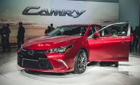toyota camry 2015 2015 toyota camry photos and wallpapers trueautosite