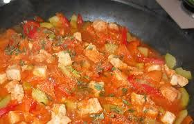 cuisiner au wok wok de poulet mijoté aux petits légumes recette dukan pl par