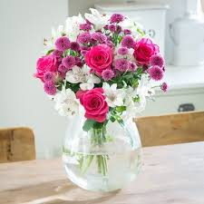 flower delivery uk flowers by post flower delivery across the uk blossoming gifts