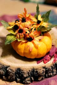 make easy thanksgiving table decorations or favors from miniature