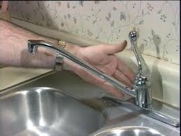 fixing leaking kitchen faucet extraordinary leaking kitchen faucet kitchen leaking sink faucet