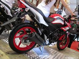 honda cbr 150r price in india 2014 honda cb 150r facelift revealed will it come to india