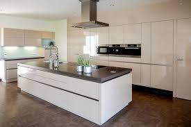 moderne kche mit insel modernes wohndesign geräumiges modernes haus küche insel dekor