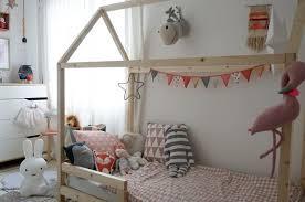 cabane pour chambre diy fabriquer un lit cabane pour enfant