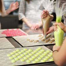 cours de cuisine macarons disponibilités cours de pâtisserie le foodist