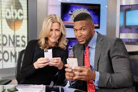 gma u0027 host lara spencer gets flirty with michael strahan off camera