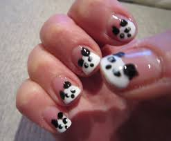 music notes nail art black nails embellished with black sparkles