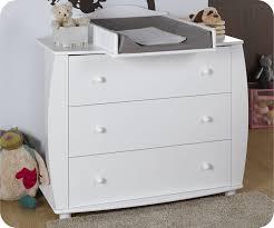 commode chambre bébé commode bébé rêve blanche avec plan à langer chambre bébé