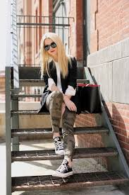 Skinny Jeans And Converse Best 20 Black Low Top Converse Ideas On Pinterest Converse