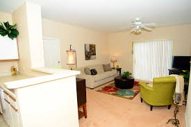 2 Bedroom Apartments In Bloomington Il by Gallery U2014 Brookridge Heights Apartments Apartments In