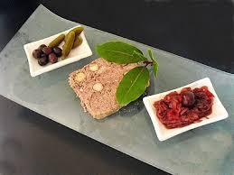 cuisiner le chevreuil facile terrine de chevreuil aux noisettes la recette facile par toqués
