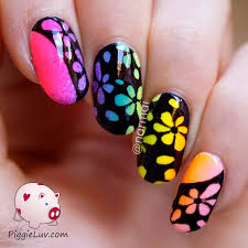 piggieluv inverse glow in the dark flowers nail art
