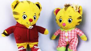 daniel tiger plush toys daniel tiger pretend play w hatchimal eggs daniel tiger