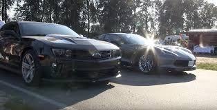 camaro zl1 vs corvette zr1 corvette vs camaro battle heats up vettetv