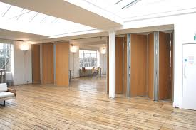 sm folding walls hinged partitions products product image