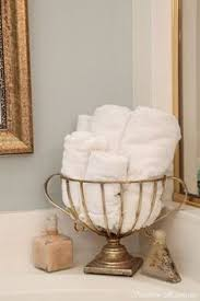 towel folding ideas for bathrooms how to display bath towels slideshow ideas originales
