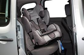 siege auto groupe 1 2 3 bebe confort siege auto pivotant groupe 1 2 3 bebe confort voiture auto garage