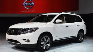 nissan car 2014 nissan pathfinder and altima named to kelley blue book u0027s 10 best
