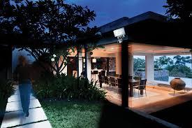 amazon com maxsa motion activated security floodlight 100 led
