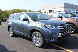 toyota highlander in dubuque ia anderson weber toyota