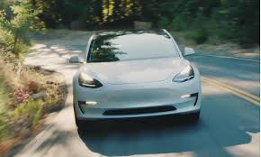 tesla now makes almost 1 000 model 3s a week bloomberg tracker