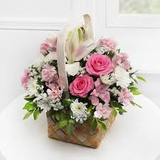 Best Flower Delivery Service Here U0027s Where To Get The Best Floral Arrangements For The Party Season